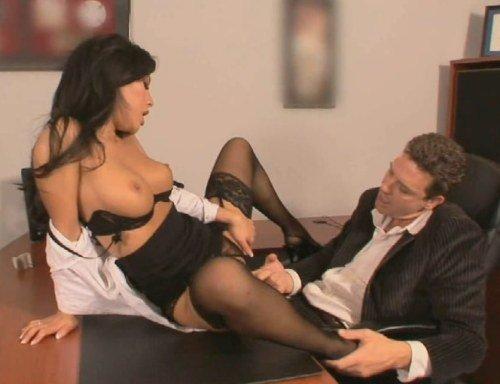 Видео сексуальных подчинений на работе